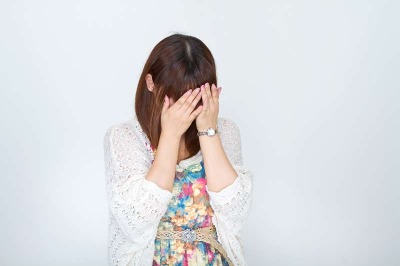 常常貶低他人的人,其實內心多半處於自卑的狀態。(示意圖非本人/pakutaso)