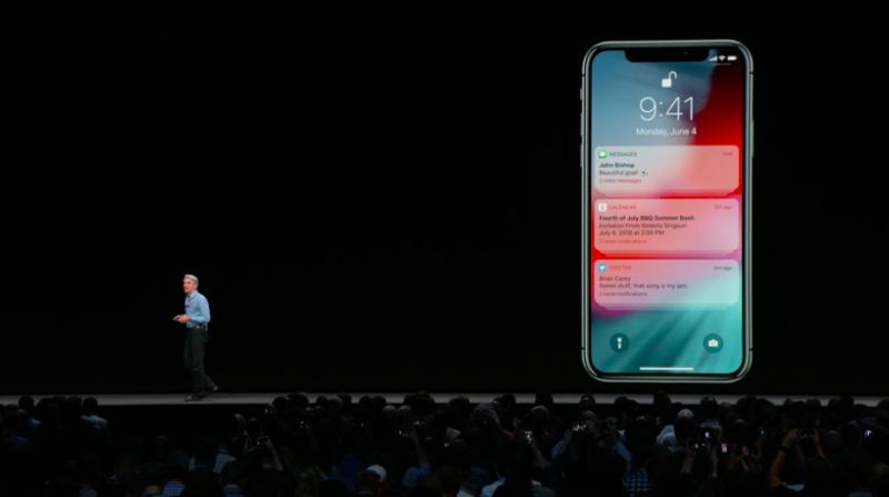 提醒通知訊息在iOS 12中可以被依類別歸納起來,不用再因為同App的通知,佔滿整個螢幕。(圖/取自Apple,數位時代提供)