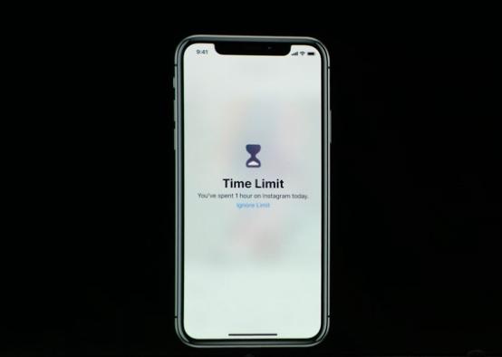 當設定某個App一天內只能使用多少時間後,時間一到就會讓用戶不能再繼續使用。(圖/取自Apple,數位時代提供)