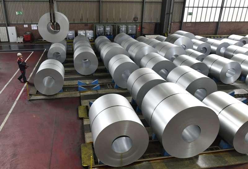 美國川普政府掀起貿易戰,歐洲鋼鐵業受衝擊(AP)