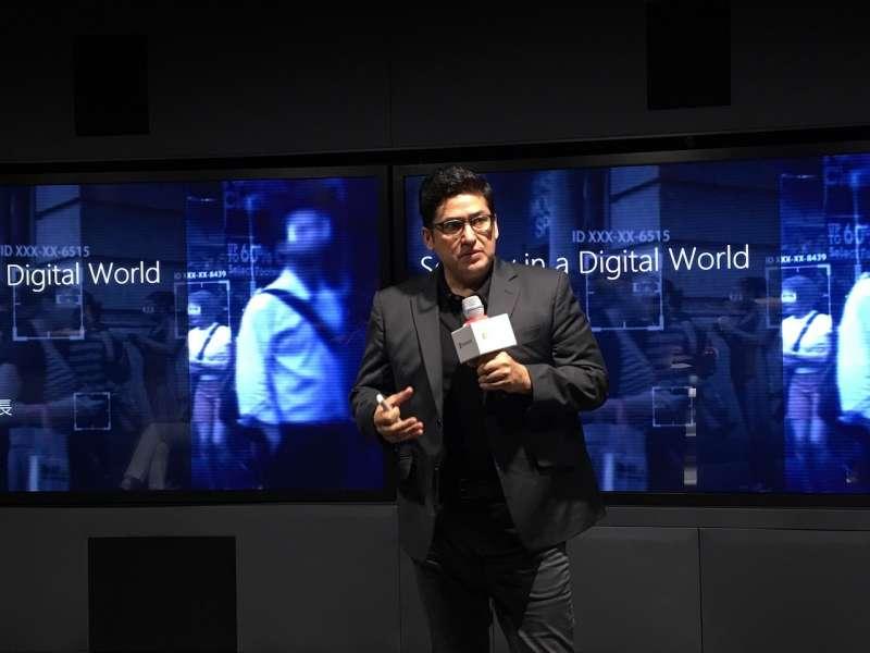 微軟亞洲首席安全長Michael Montoya指出,資安事件不只替企業帶來損失,也拖累數位轉型腳步。據統計,77%台灣企業因為害怕資安威脅,推延數位轉型專案。(張庭瑜 攝,數位時代提供)