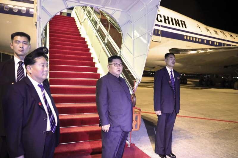 2018年6月12日川金會,北韓最高領導人金正恩會後離開新加坡(AP)