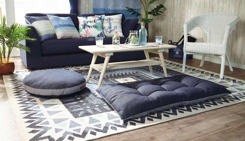 利用涼快的配色,在臥室裡就能表現出充滿活力與隨興的夏日風情。(圖/宜得利)