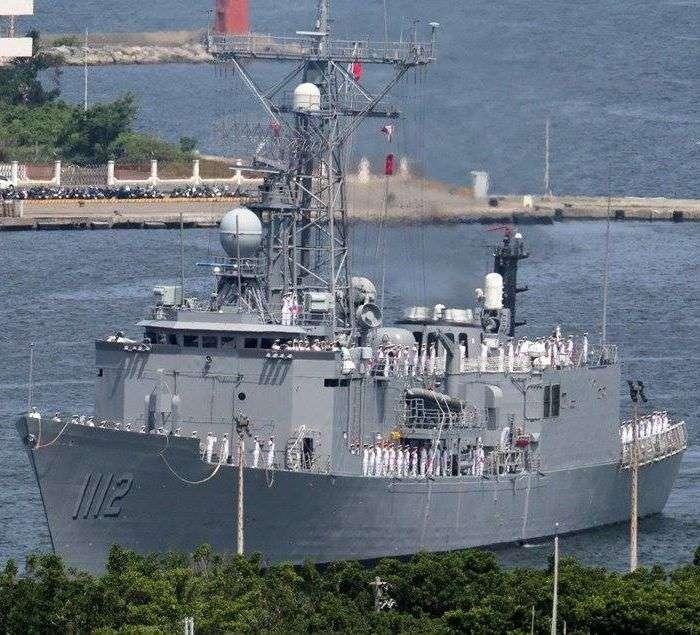 美軍新任印太司令四星上將戴維森,早年曾擔任過美國售台的派里級「泰勒號」巡防艦(USS Taylor FFG-50)艦長,來台後稱為銘傳號。(取自www.mdc.idv.tw)
