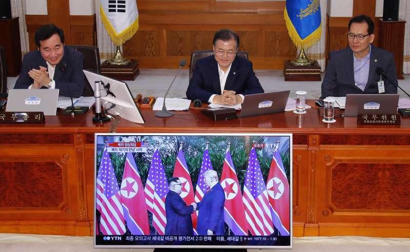 2018年6月12日川金會,南韓總統文在寅全程關注(AP)