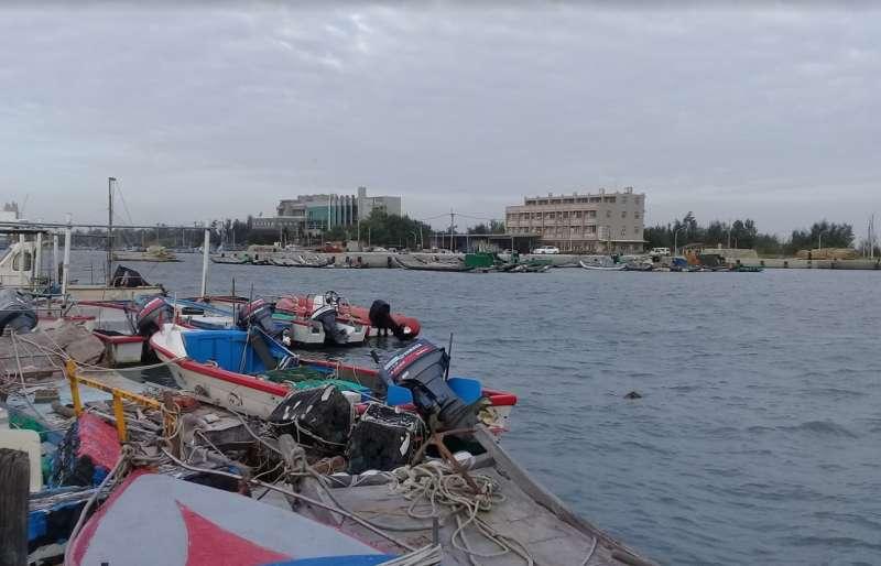 雲林縣政府水利處長許宏博表示,箔子寮漁港是目前評估縣內最適合設立離岸風場維運碼頭的港口。(取自Google Map)