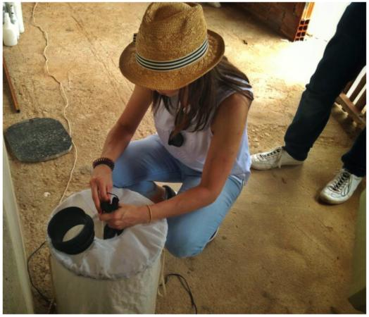 該組織與當地居民合作,在各處設置捕蚊裝置,用於得知本次試驗的結果。(圖/智慧機器人網提供)