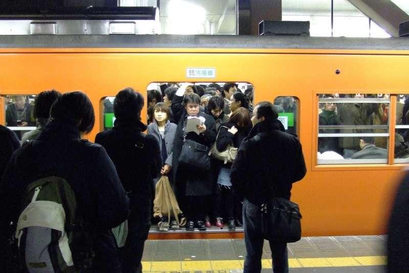 「電車中後背包」的圖片搜尋結果
