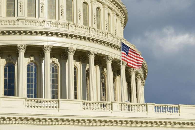 參眾兩院都各自提出自己版本的《國防授權法》,這次在參議院的版本中還加入一項修正案,要求恢復對中國中興通訊的制裁。(圖/取自shutterstock,數位時代提供)
