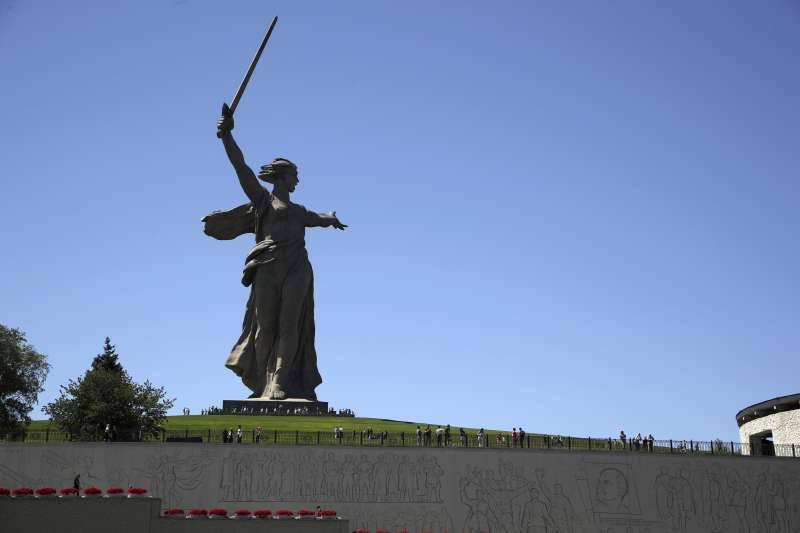 雕像「祖國母親的召喚」是伏爾加格勒甚至全俄羅斯的象徵。(AP)