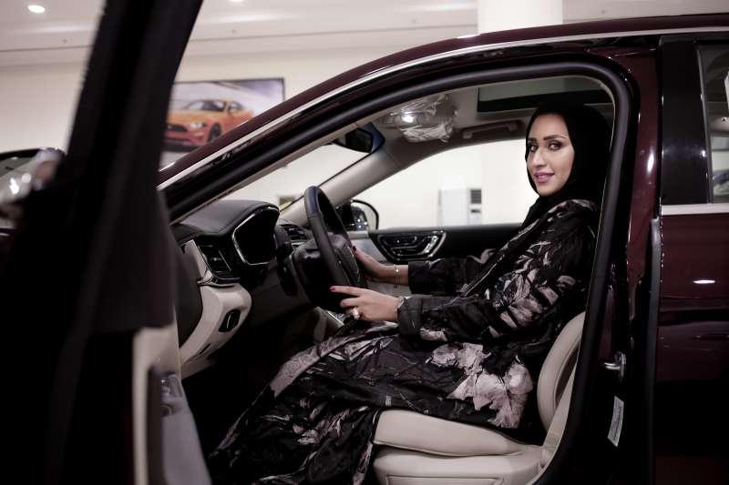 20180624,沙烏地阿拉伯女性終於可以駕車,女性駕車禁令解除。(美聯社)