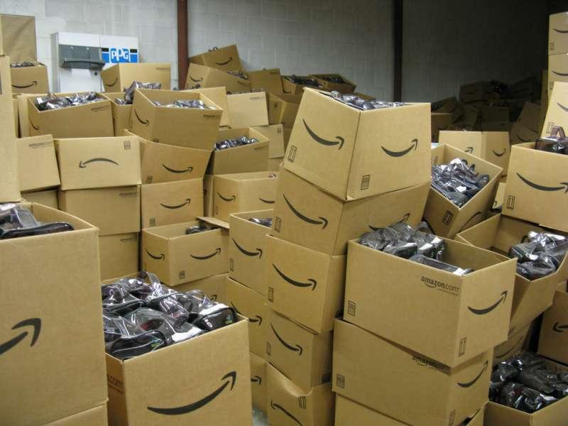 德國亞馬遜有員工爆料他們將近全新的退貨商品直接銷毀。(圖/Bossi, CC BY-SA 2.0)