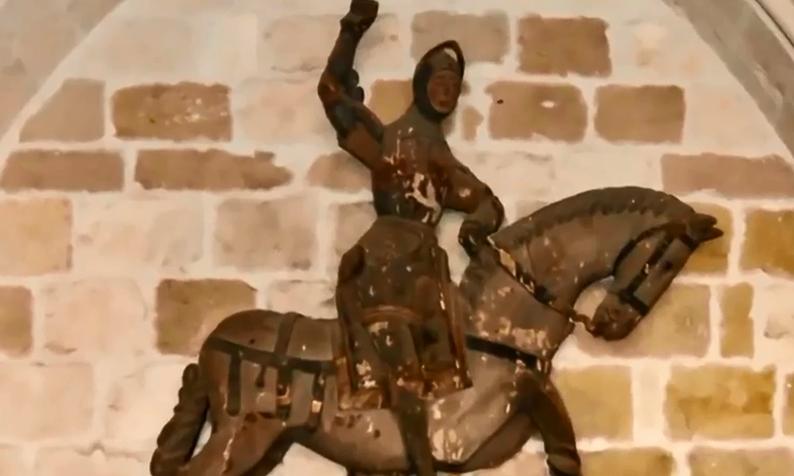 西班牙埃斯特利亞鎮,聖喬治像的原本模樣(截自YouTube)