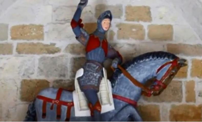 西班牙埃斯特利亞鎮,聖喬治像經過「修復」的模樣(截自YouTube)