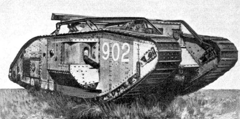 一次大戰戰場上開始出現坦克和機槍的實用化,影響20世紀戰爭機械化的潮流。(取自維基百科公有領域)