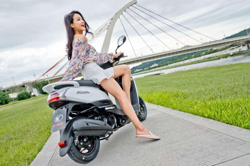 人性化的設計,更符合女性騎乘手感、隨時能應付臨時緊急狀況。