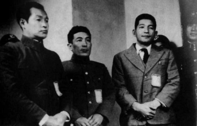 百人斬戰後之戰犯大審--向井敏明少佐與野田毅少佐。(取自網路)