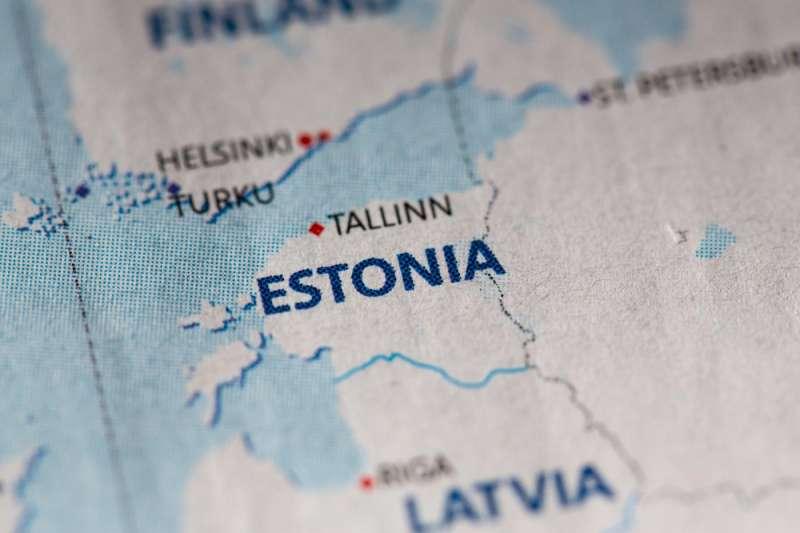 蘇聯垮台後的愛沙尼亞有超過一半的家庭沒有電話線,因為國家基礎建設嚴重不足,國家整體政治也必須從零開始,整個國家幾乎是一無所有。(圖/shutterstock)