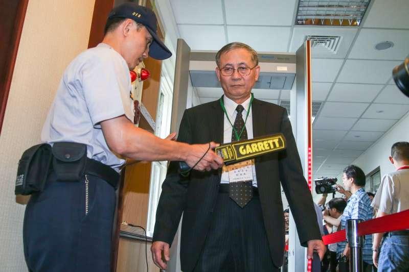 監委劉德勳,出席憲法法庭「是否受理不當黨產條例釋憲案說明會」。(陳明仁攝)