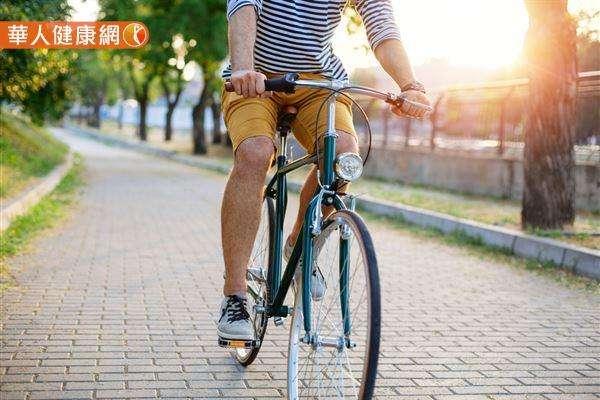 養成良好的有氧運動習慣,可以降低總膽固醇及增加好的膽固醇。(圖/華人健康網)