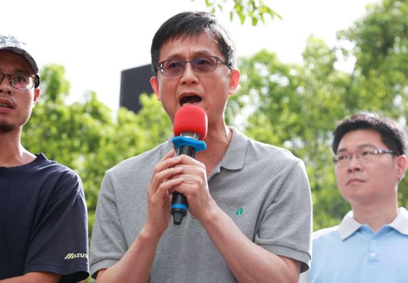 20180715-雙方協調後,環保署副署長詹順貴表示:「在配套補助措施方案出來之前不會加嚴老舊車輛廢氣的排放標準。」(簡必丞攝)