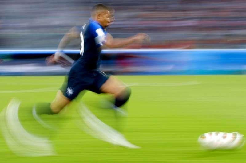 法國姆巴佩是足球界堀起的超級巨星。(美聯社)