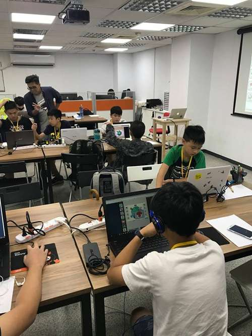 程式設計課程:Scratch(兒童程式設計 KidsCoding 樂學科技@facebook)