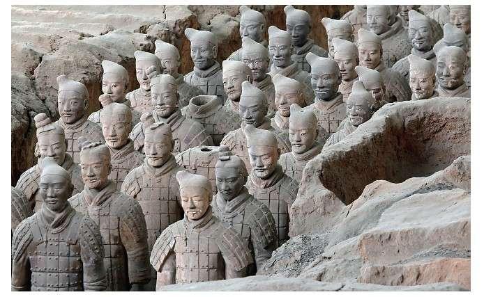 秦陵兵馬俑,用以保護死後的秦始皇。(圖/大是文化提供)