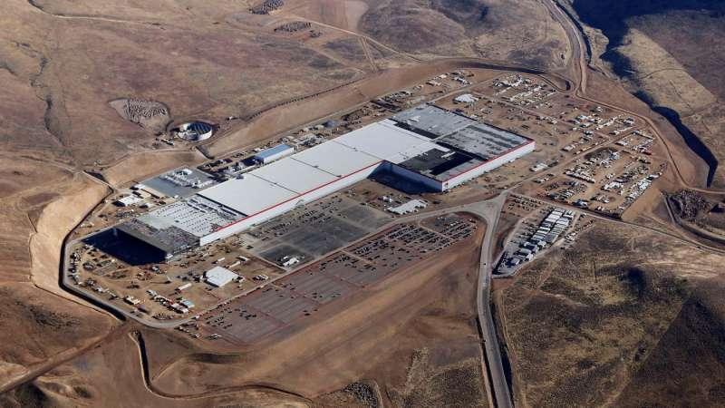 特斯拉前後在內華達州與紐約州北部打造的超級工廠,都由松下公司出資資助。(圖/Tesla)