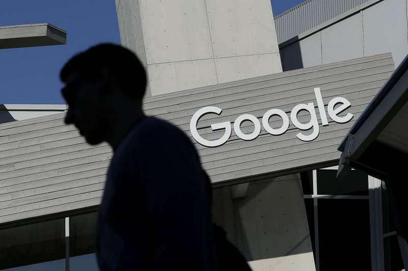 Google涉壟斷市場,恐遭歐盟開罰1551億。(美聯社)
