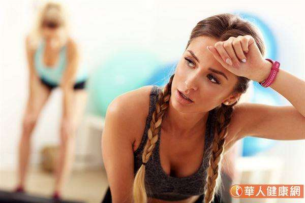 中醫認為身體缺水是「津液虧虛」之症,表現症狀不只是口乾舌燥一種。(圖/華人健康網)