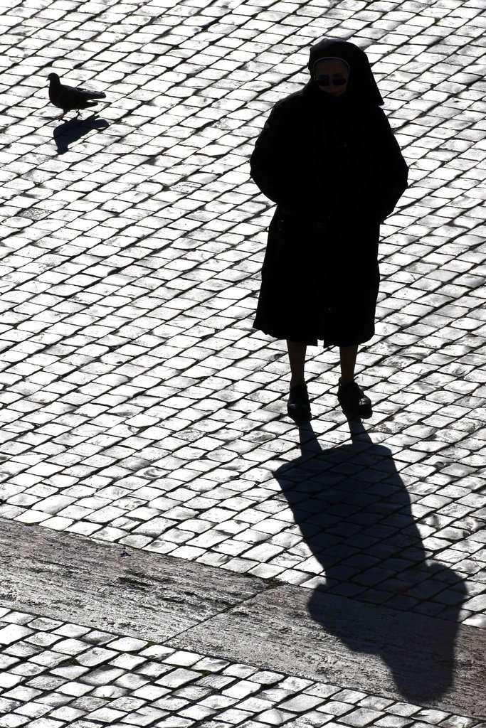 受Me Too運動影響,修女近來開始願意公開吐露性侵、性騷擾的經歷(圖非當事人)。(AP)