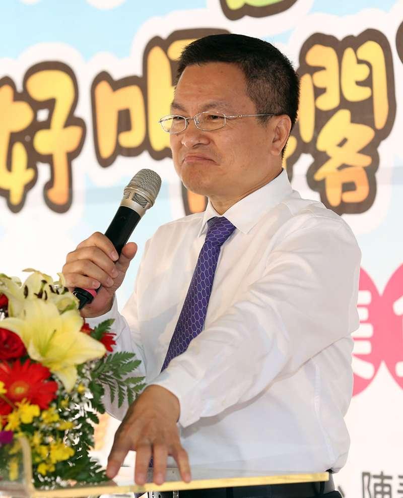 擔任彰化縣長後,魏明谷在基層農會戮力拔樁。攝影/郭晉瑋