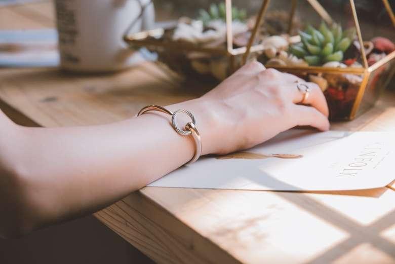 鋼索飾品讓妳充滿堅毅魅力業者提供(圖/夏利豪提供)