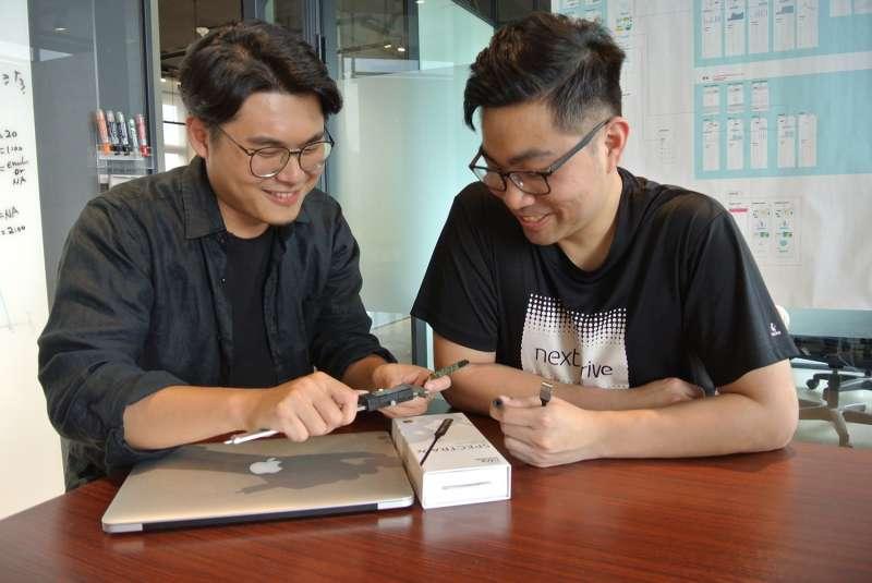 聯齊科技首席設計師王鴻彥(左)與事業發展經理楊貽叡(右)認為「Spectra X」能把音質音效輕鬆升級(圖/聯齊科技提供)