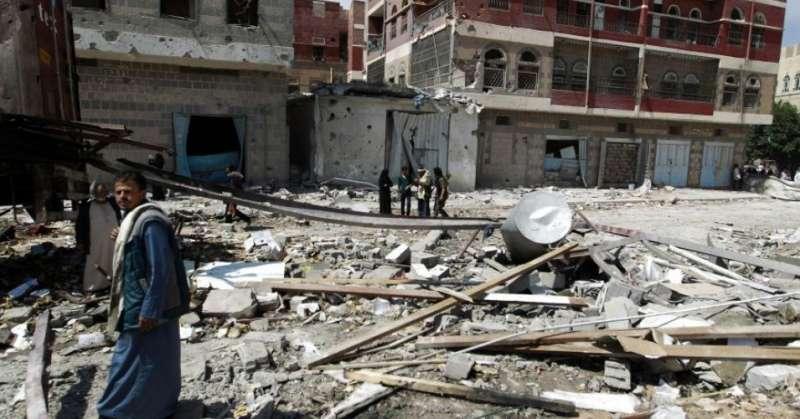 葉門南部的一間醫院在內戰中遭到轟炸(AP)