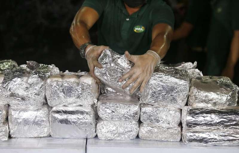 菲律賓緝毒署攔截了約半噸、價值6400萬美元的冰毒。(AP)