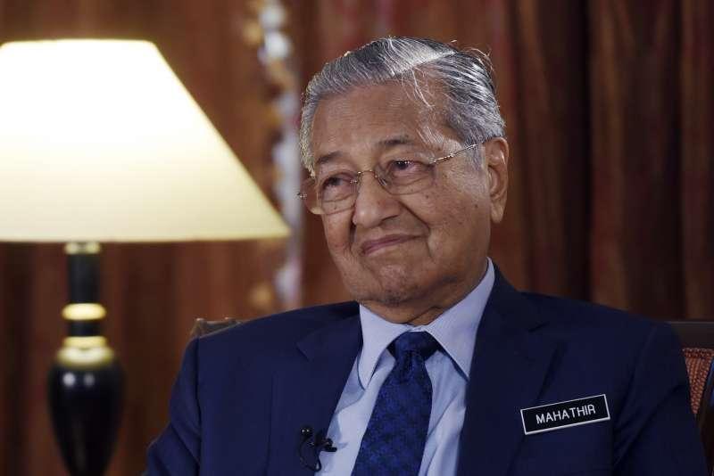 在訪中前夕,馬來西亞總統馬哈地直言盼能取消與中國簽訂的多項合作計畫。(AP)