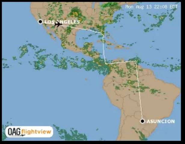 郭篤為在臉書貼出航空網站飛行路徑圖,北京動用在拉美地區影響力,攔阻蔡英文出訪專機利用正規國際航線。(圖擷取自OAG flightview)