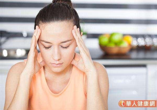 頭痛是每個人都有過的經驗,常見症狀包括:偏頭痛、緊縮性頭痛和其它次發原因。(圖/華人健康網)