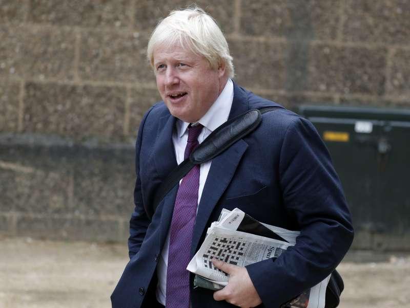 前英國外交大臣強森汙辱穆斯林女性是「信箱」與「銀行搶匪」,但堅持不道歉(AP)