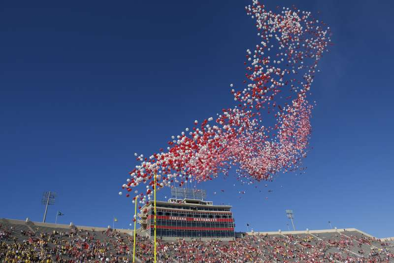 在各國紛紛開始禁用塑膠袋、塑膠吸管之後,下一個被禁止的塑膠製品可能輪到了氣球。〈AP〉
