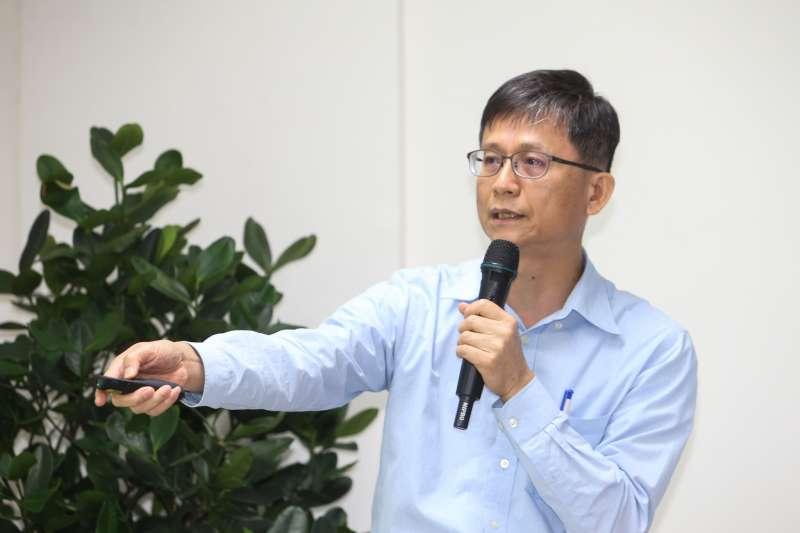 詹順貴,環保署副署長,出席20180820-環保署「只查烏賊車--澄清加嚴標準受影響對象」記者會。(陳明仁攝)