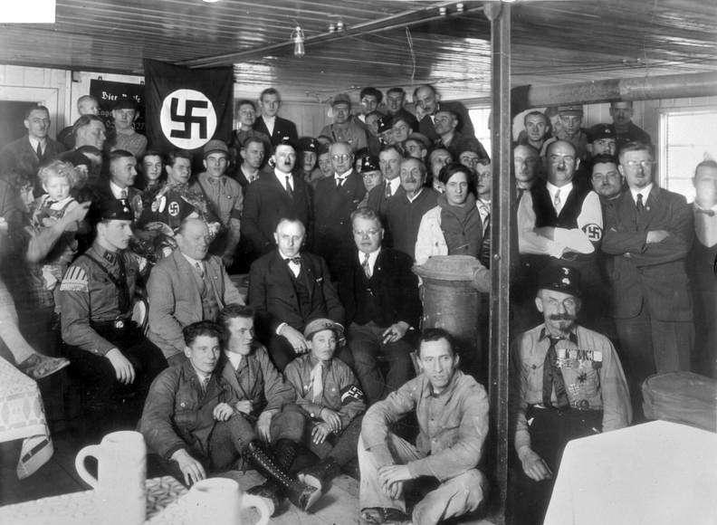 希特勒與他的納粹黨(圖/取自維基百科)