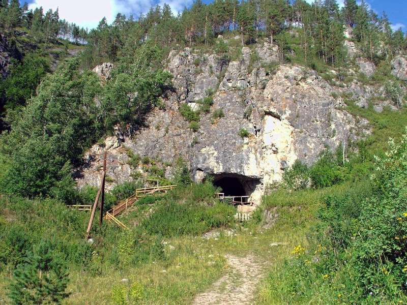 俄羅斯西伯利亞的丹尼索瓦洞穴(Демин Алексей Барнаул@Wikipedia/CC BY-SA 40)
