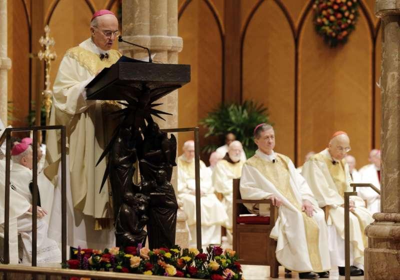 前教廷駐華府大使維甘諾(Carlo Maria Vigano)稱方濟各與本篤十六世早已知悉麥卡瑞克性侵指控。(美聯社)