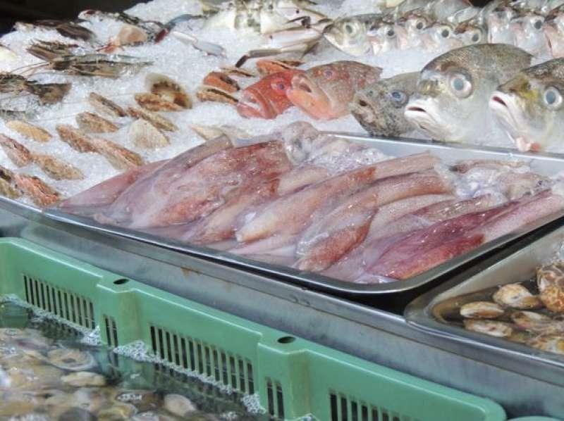 漁船直送的新鮮海味,是每一鍋客製化海鮮塔的好吃秘訣(圖/鮮蒸霸蒸氣海鮮塔提供)