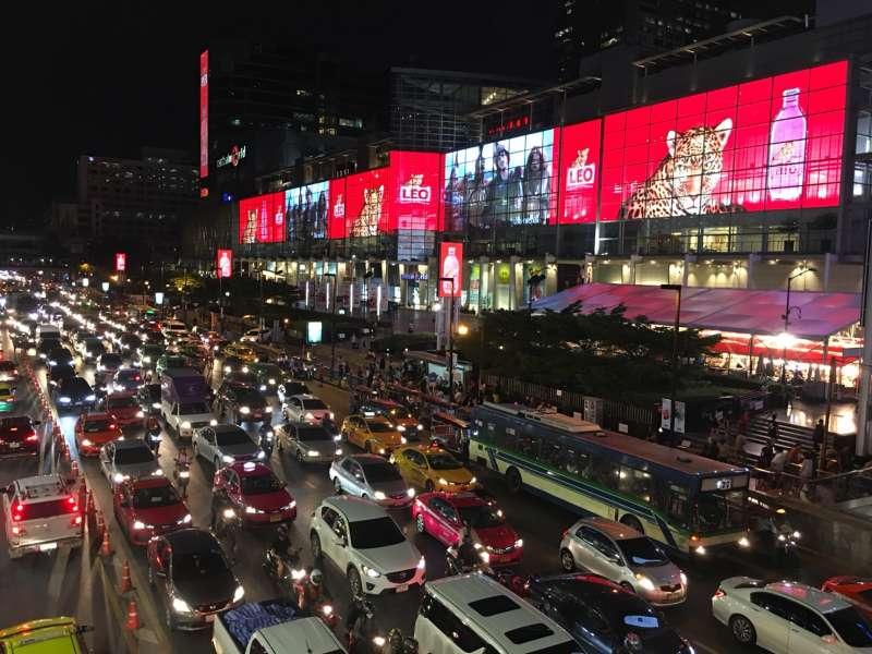 許多台灣人喜歡到泰國旅遊,圖為泰國街道(圖:鄭海倫)