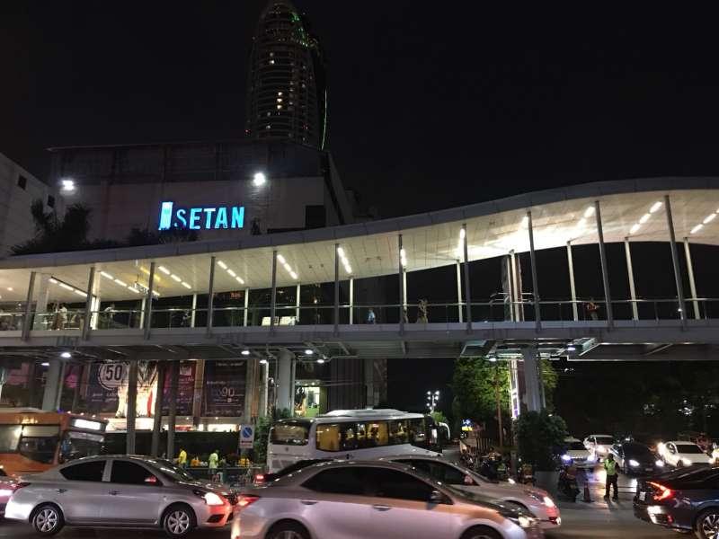 許多台灣人喜歡到泰國旅遊,圖為曼谷的伊勢丹百貨(圖:鄭海倫)