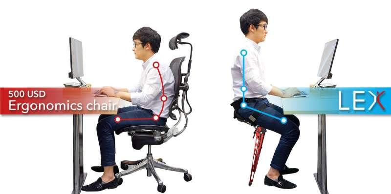 LEX幫助使用者坐下時能抬頭挺胸,擁有完美坐姿。(取自Astride Bionix官方臉書)